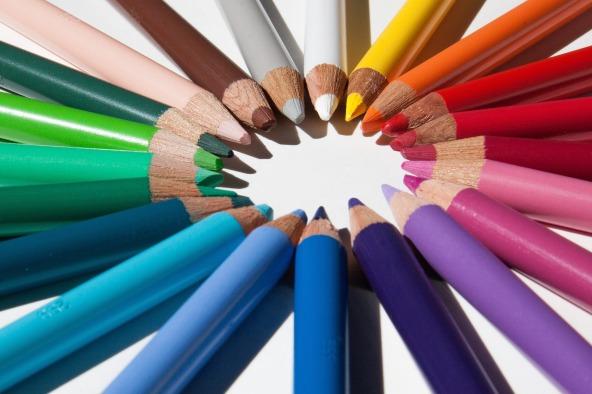 creative-desk-pens-school3.jpg